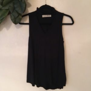 Abercrombie & Fitch keyhole tank size Small